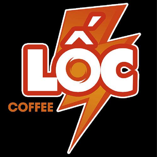 Logo in đồng phục nhân viên quán Lốc Coffee